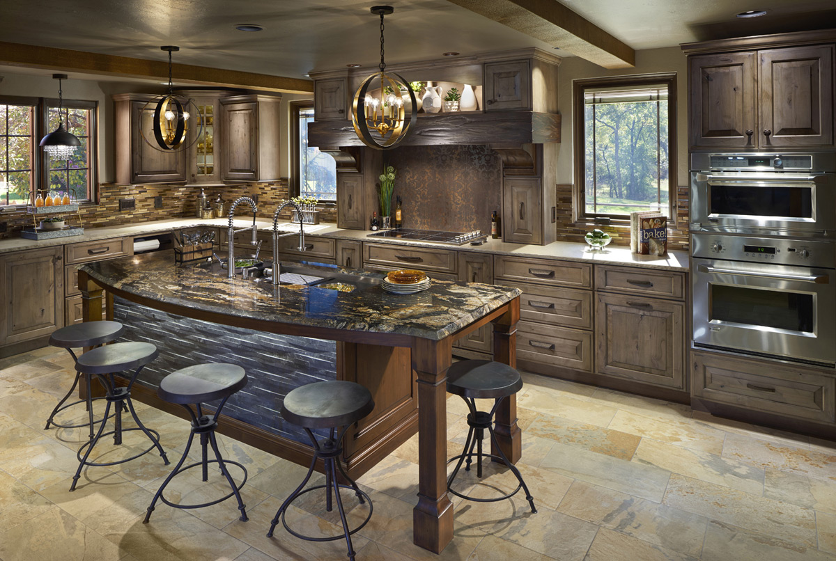 Custom knotty oak cabinetry for this Stillwater lodge