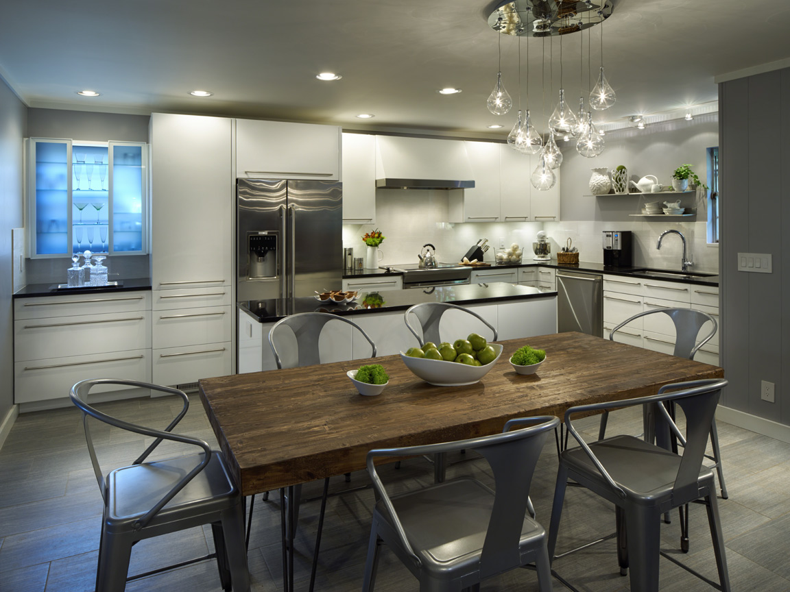 Contemporary Kitchen design and build with high gloss cabinetry